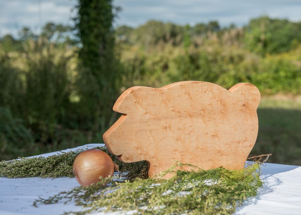 The pig cutting board